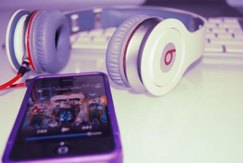 apple-apple-ipod-touch-art-beats-by-dre-favim-com-488470